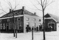 Omstreeks 1914 kocht hij een logement in Sellingen van Jurjen de Grooth, en noemde het een Hotel-Cafee Restaurant. Hij verkocht het in 1922 aan Homan. Het cafe stond tegenover de lagere school en is op 11 april 1928 afgebrand