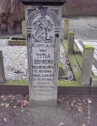 Grafsteen Titia Oorburg