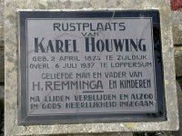 Grafsteen Karel Houwing