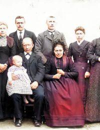 Familie Zelvius 1903 enhanced en colorized