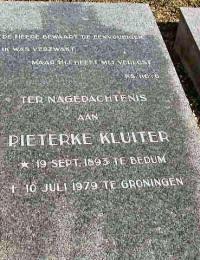 Grafsteen Pieterke Kluiter